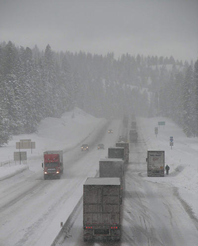 Snow on Oregon interstate, January 2008