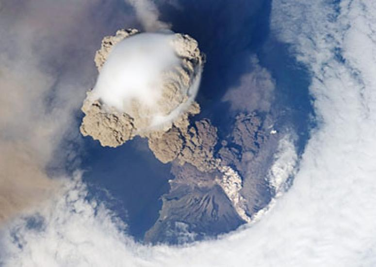 Small volcanoes, big climate impact: Sarychev Volcano