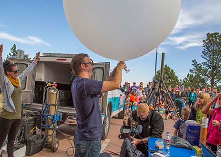 Super Science Saturday: balloon launch