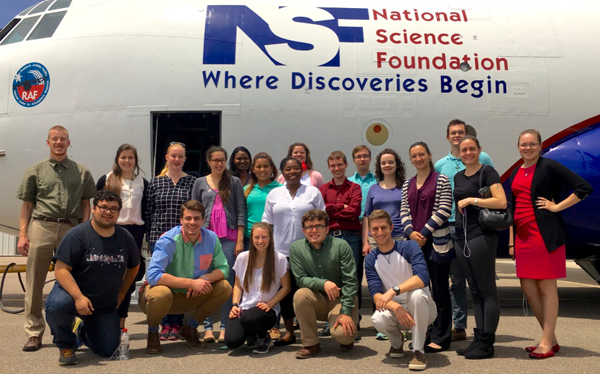 ULW students in front of the NSF/NCAR C-130 research aircraft.